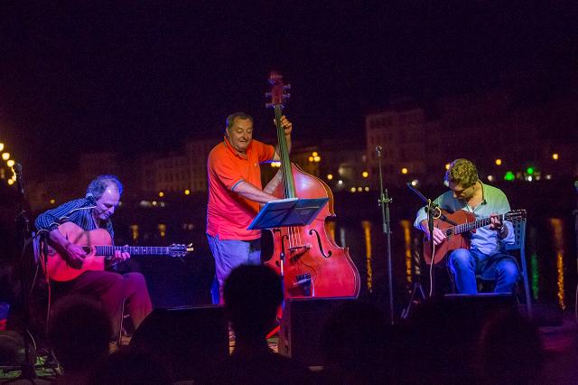Djambolulù Swing Trio – Videos
